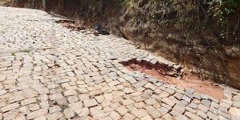 Descaso Urbano | Rua Frederico de Oliveira se desfaz com a falta de drenagem pluvial