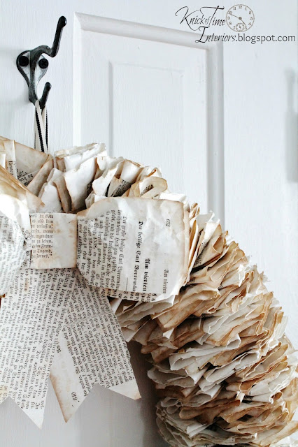 Book Page Wreath by http://knickoftimeinteriors.blogspot.com/
