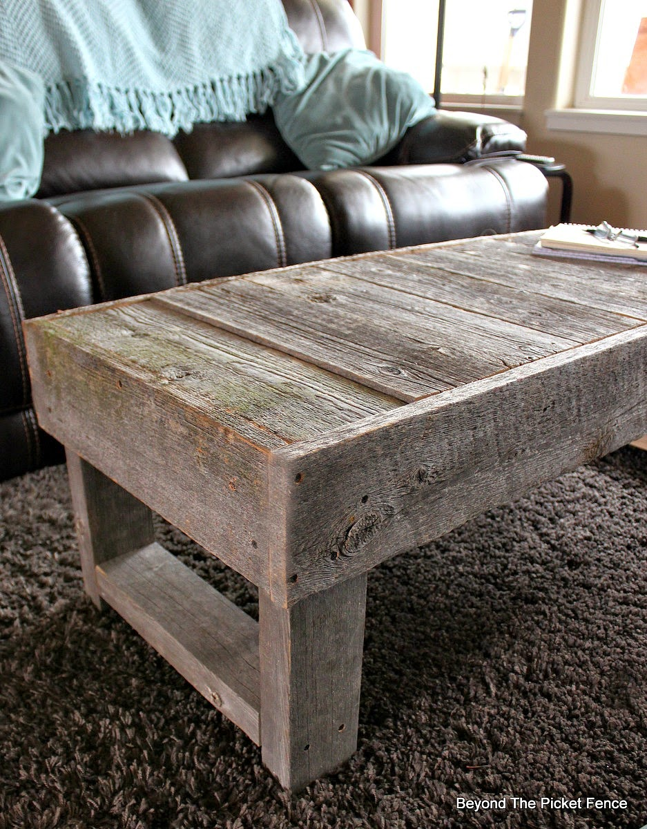 reclaimed wood, barn wood, coffee table, weathered wood, mossy wood, Beyond The Picket Fence, http://bec4-beyondthepicketfence.blogspot.com/2015/02/barn-wood-coffee-table-and-change.html