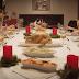 13 σκύλοι και 1 γάτα στο Χριστουγεννιάτικο τραπέζι (βίντεο)...