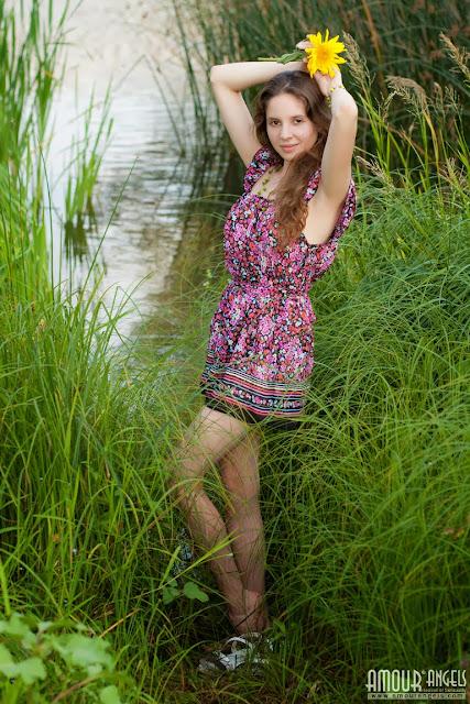 صور سكس بنات جميلة 18 سنة صوربنات عارية خالص في البحيرة
