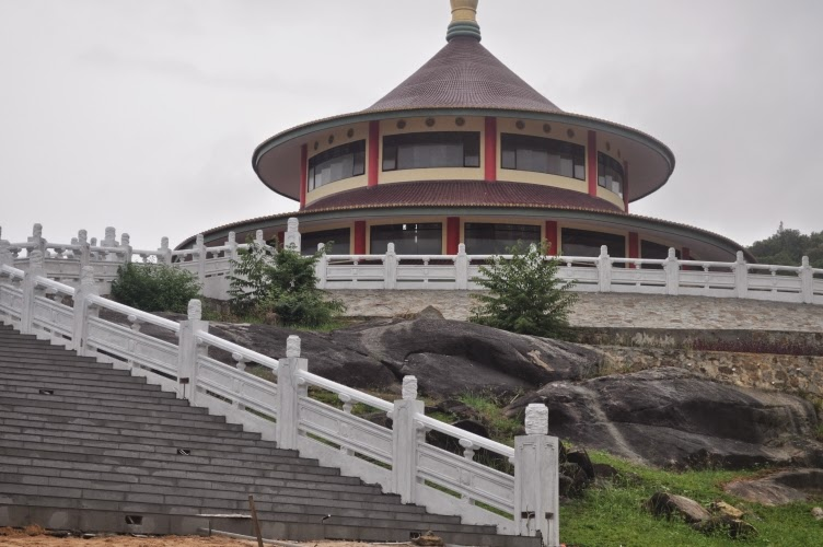 Vihara pagoda dekat Pantai Tikus Bangka