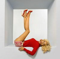 Christina Aguilara legs in the air