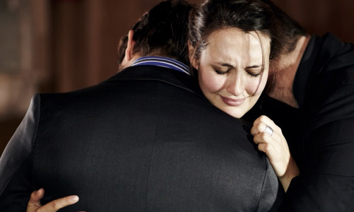 5 Ways to Reconcile With Your Best Friend , man hug woman cry crying girl hugging