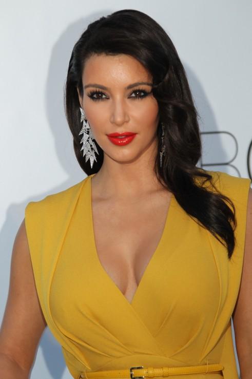 Kim Kadarshian at amfAR to make Aids as History_MyClipta_001