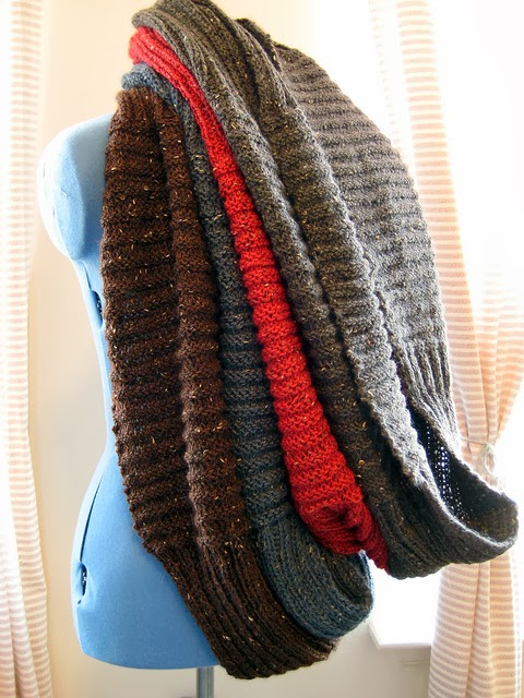 Infinity Scarf Knitting Pattern Ravelry : Alex Capshaw-Taylor: The Nottingham Infinity Scarf