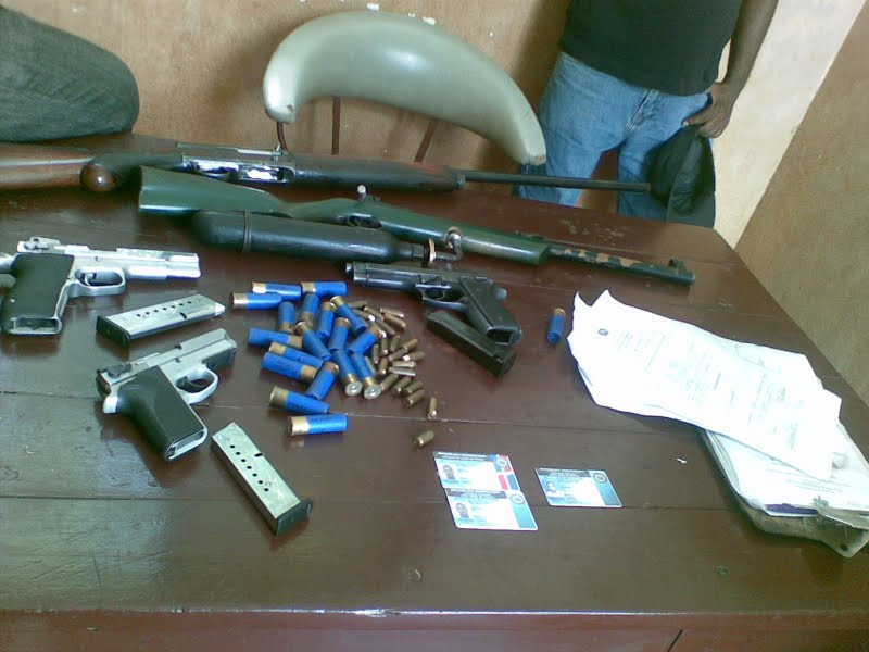 Atacando ej rcito nacional ocupa armas operativo en hig ey for Porte y tenencia de armas