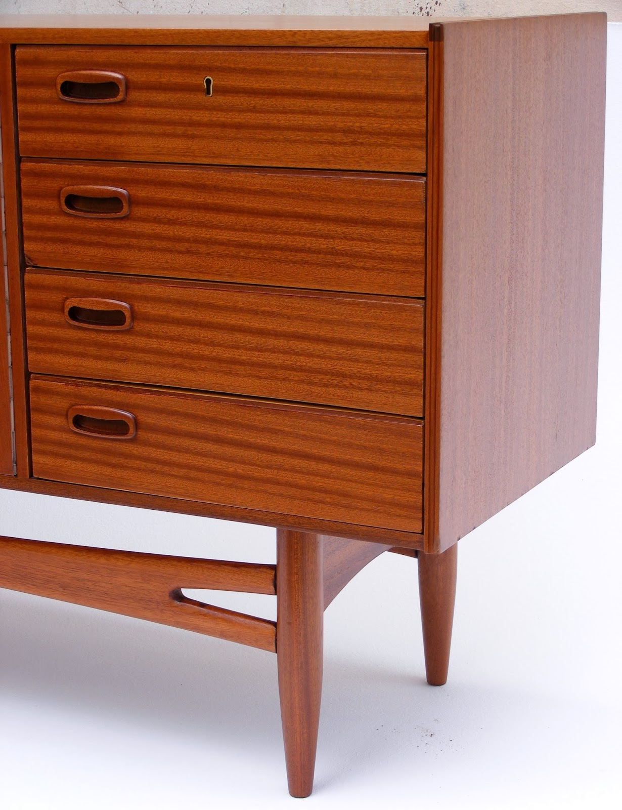 VAMP FURNITURE This weeks new furniture stock 08