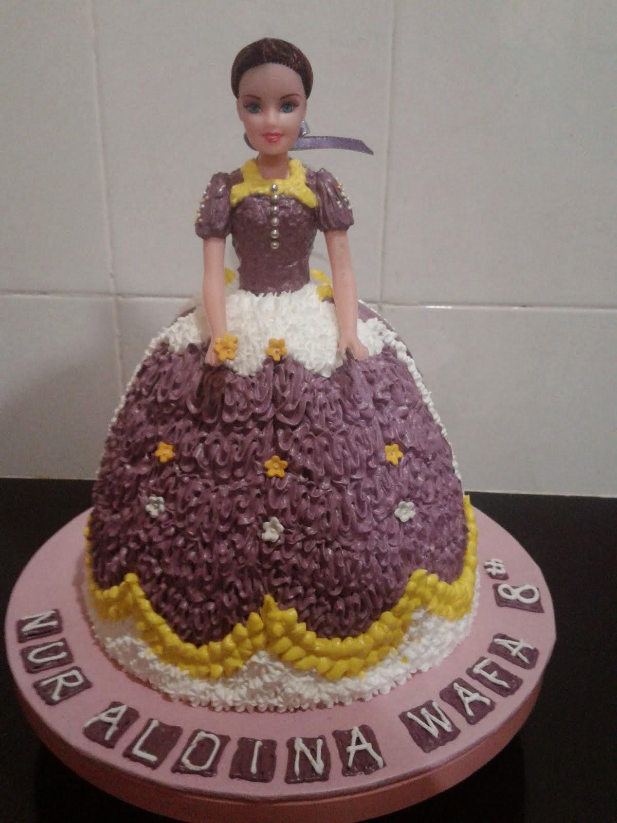 Doll Cake Full BC