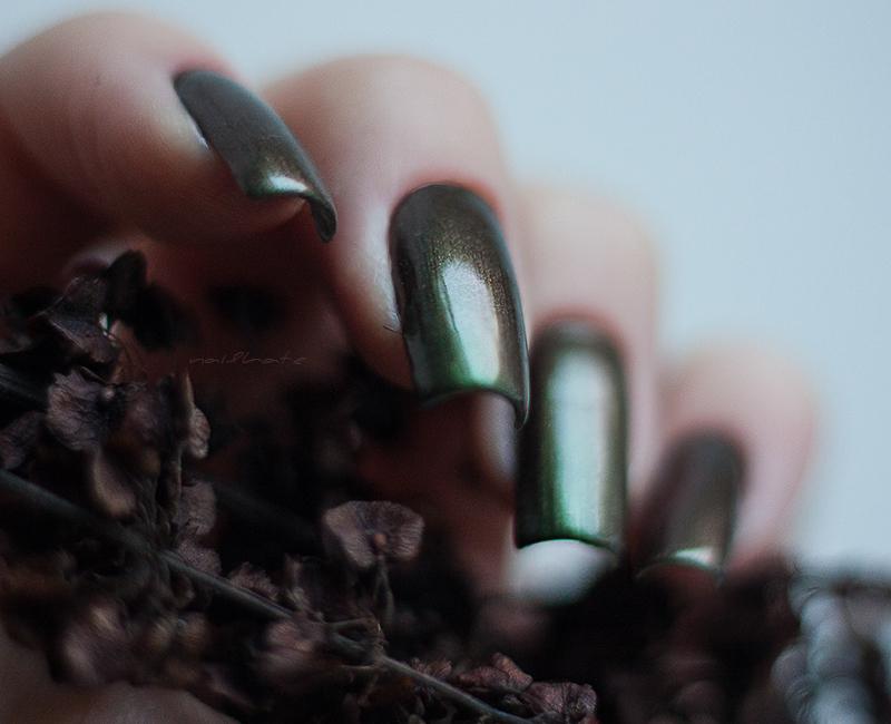 "OPI Coca-Cola ""Green on the Runway"""
