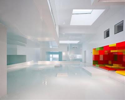 Desain Kolam Renang di Dalam Rumah