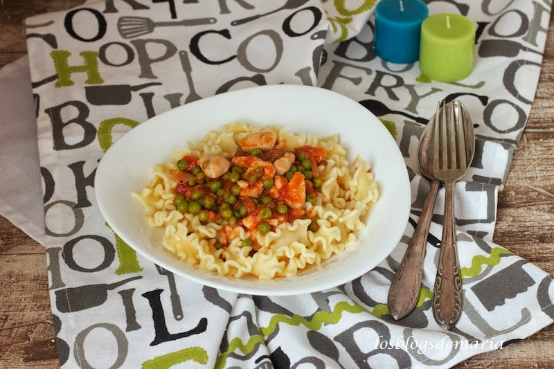 Pasta Gorofato con tomate a la aceituna