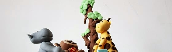 Header picture of safari and animals theme cake