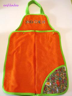 Tovallola davantal personalitzada per nadons - Enfilades.cat