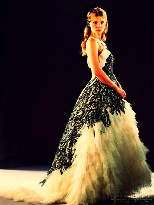 Sawatzki nackt teresa moore annalynne mccord acne jessica for Fleur delacour wedding dress