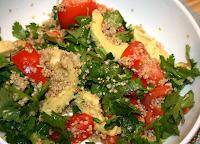 Salada de Tomate, Quinua, Limão e Abacate (vegana)