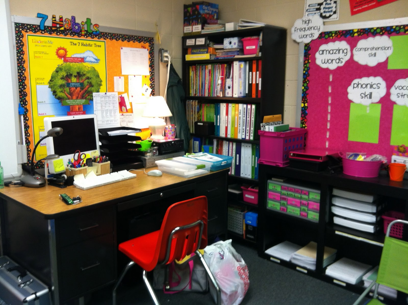 2nd grade stuff clutter free classroom project linky party - Classroom desk organization ideas ...