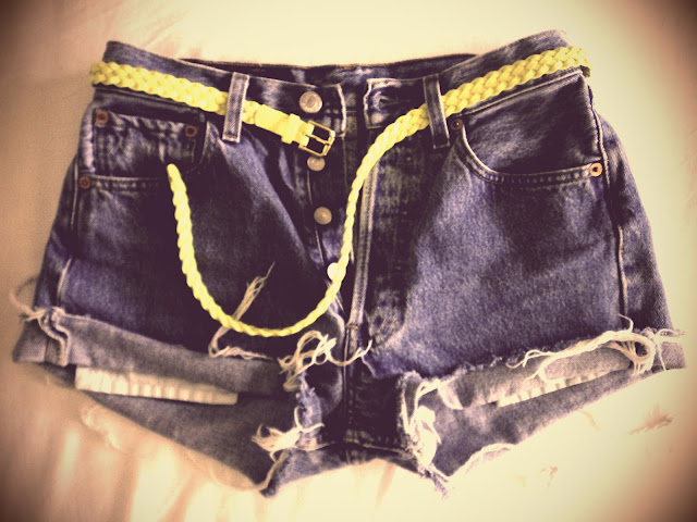 new in fashion band tee neon belt levi's cut offs
