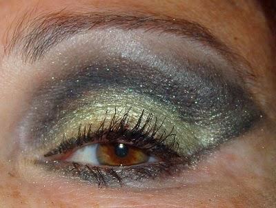 look dorado y gris