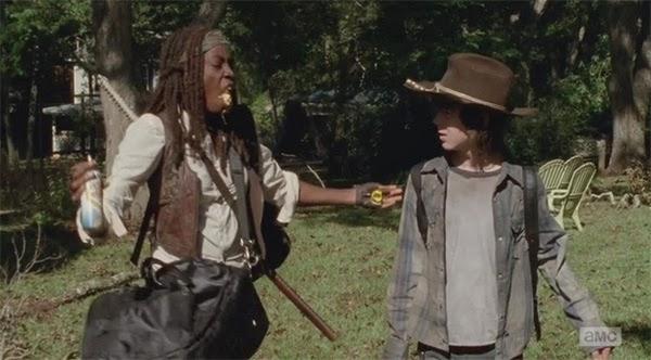 """Michonne en el momento """"queso loco"""" de  The Walking Dead 4x11 - Claimed"""