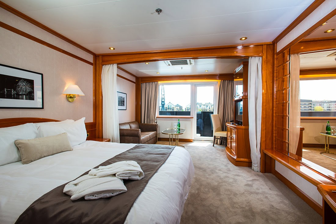 Passion for luxury sunborn london the yacht hotel concept for Hotel concept