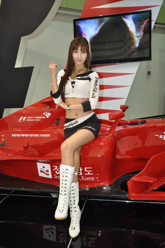 Lee Yoo Eun - Promoting F1 Korea GP 2011
