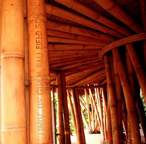 Sekolah Yang Terbuat Dari Bambu