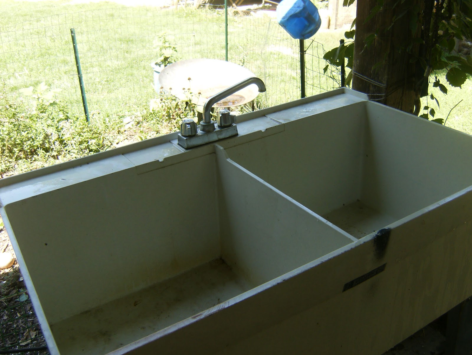 the utility sink makes a great set of washtubs and the price free for ...