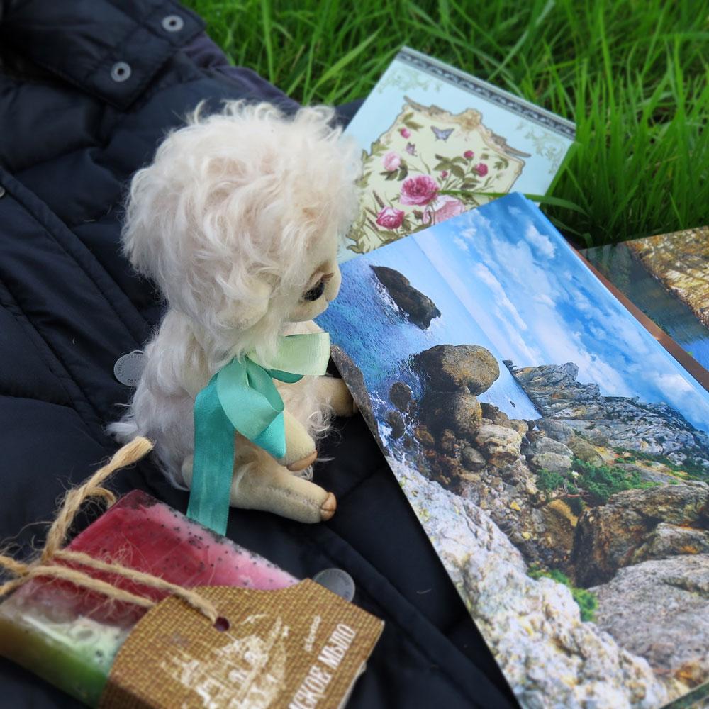 Овечка и открытки с пейзажами Крыма