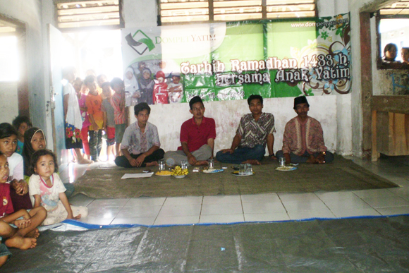 Tokoh Masyarakat Sayar di Acara Santunan Dompet Yatim