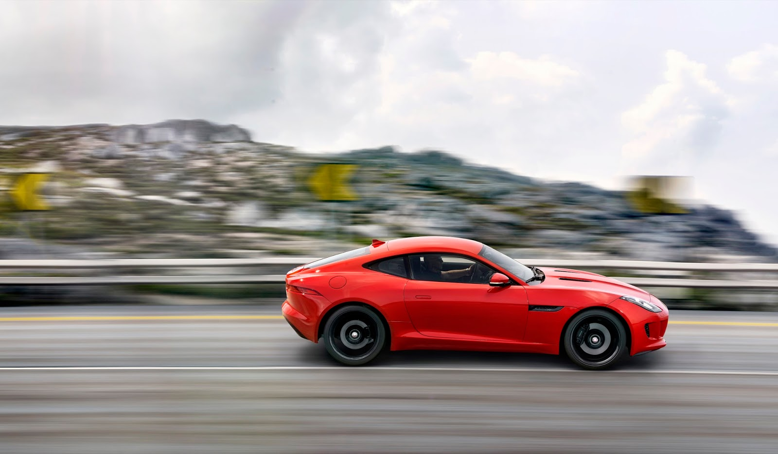 2014 Jaguar F-Type coupe salsa red