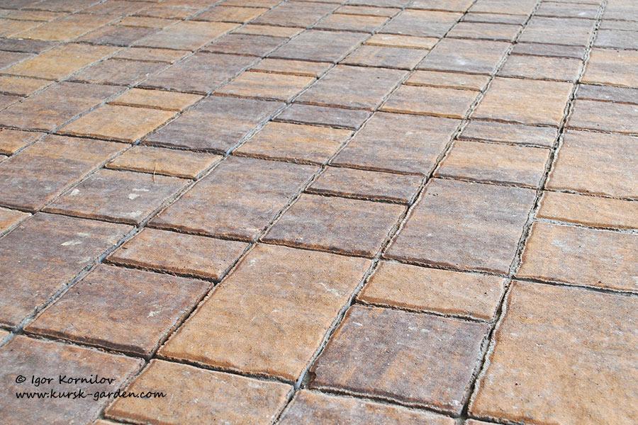 Тротуарная плитка БелАрБет, форма «Старый город», цвет «Янтарь»