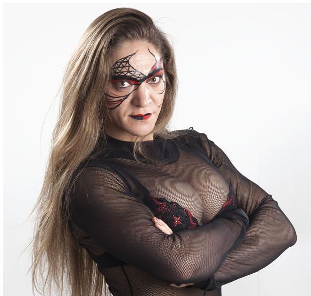 Bia - Brazilian Luchadora and Female Bodybuilder