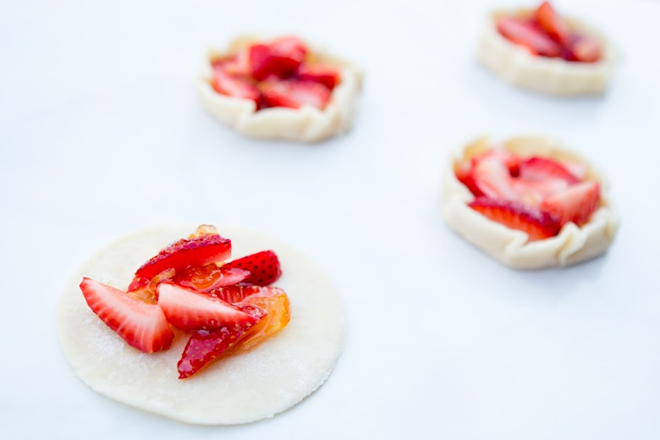 Brunch with Mimi : Strawberry Mimosa Crostata Pie Recipe