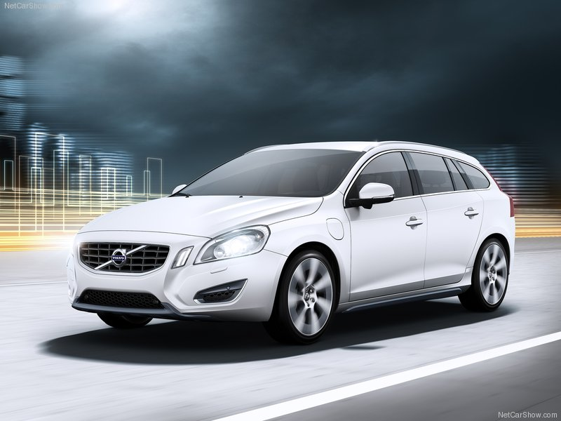 2013 new Volvo V60 Hybrid Plug-in