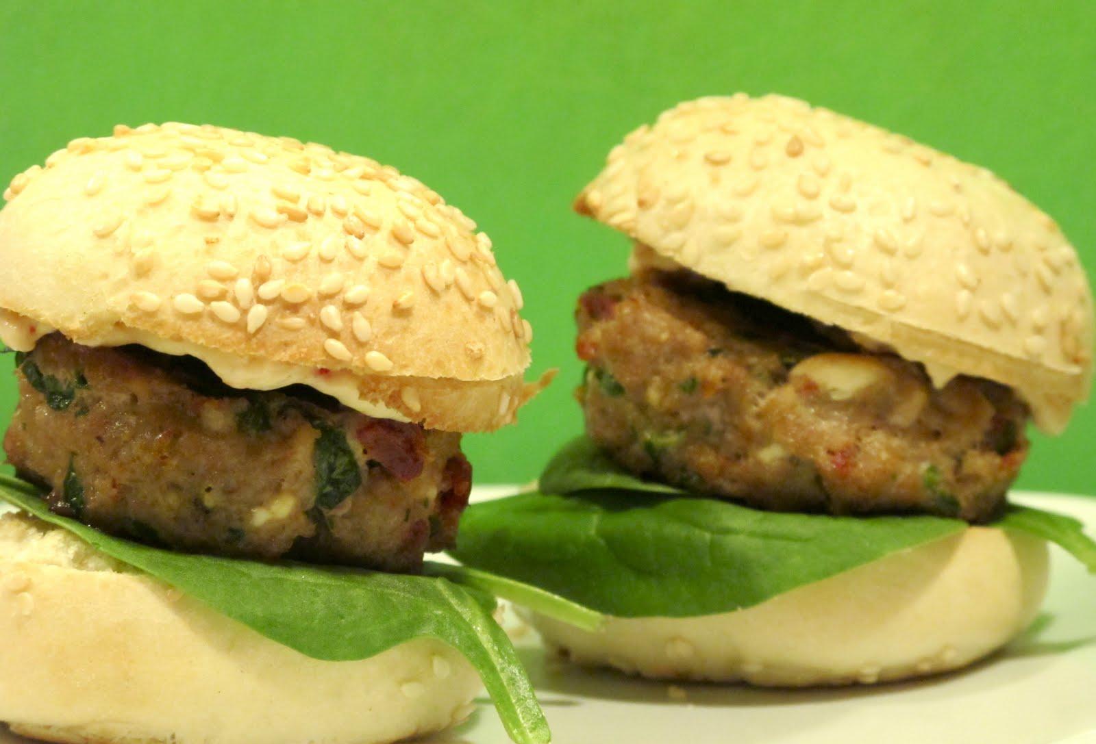 NuM NuM: Feta Sun-Dried Tomato Turkey Burger Sliders