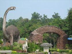 Shell Fossil Museum Nong Bua Lam Phu (พิพิธภัณฑ์หอยหิน๑๕๐ ล้านปี)