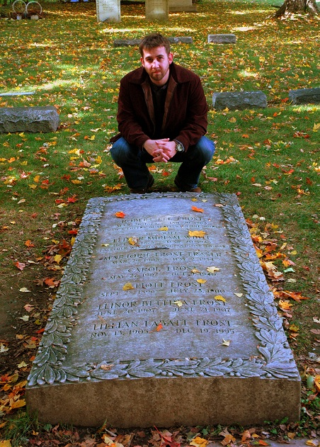 98 Best celebrity grave sites images | Cemetery art ...