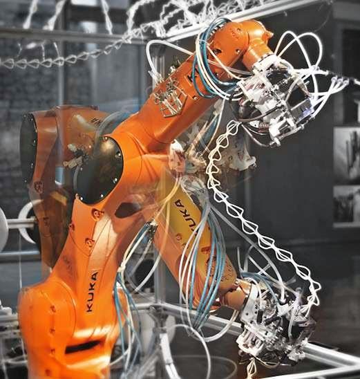DIY 3D Printing: KUKA robotic arm turned into six axis 3d printer