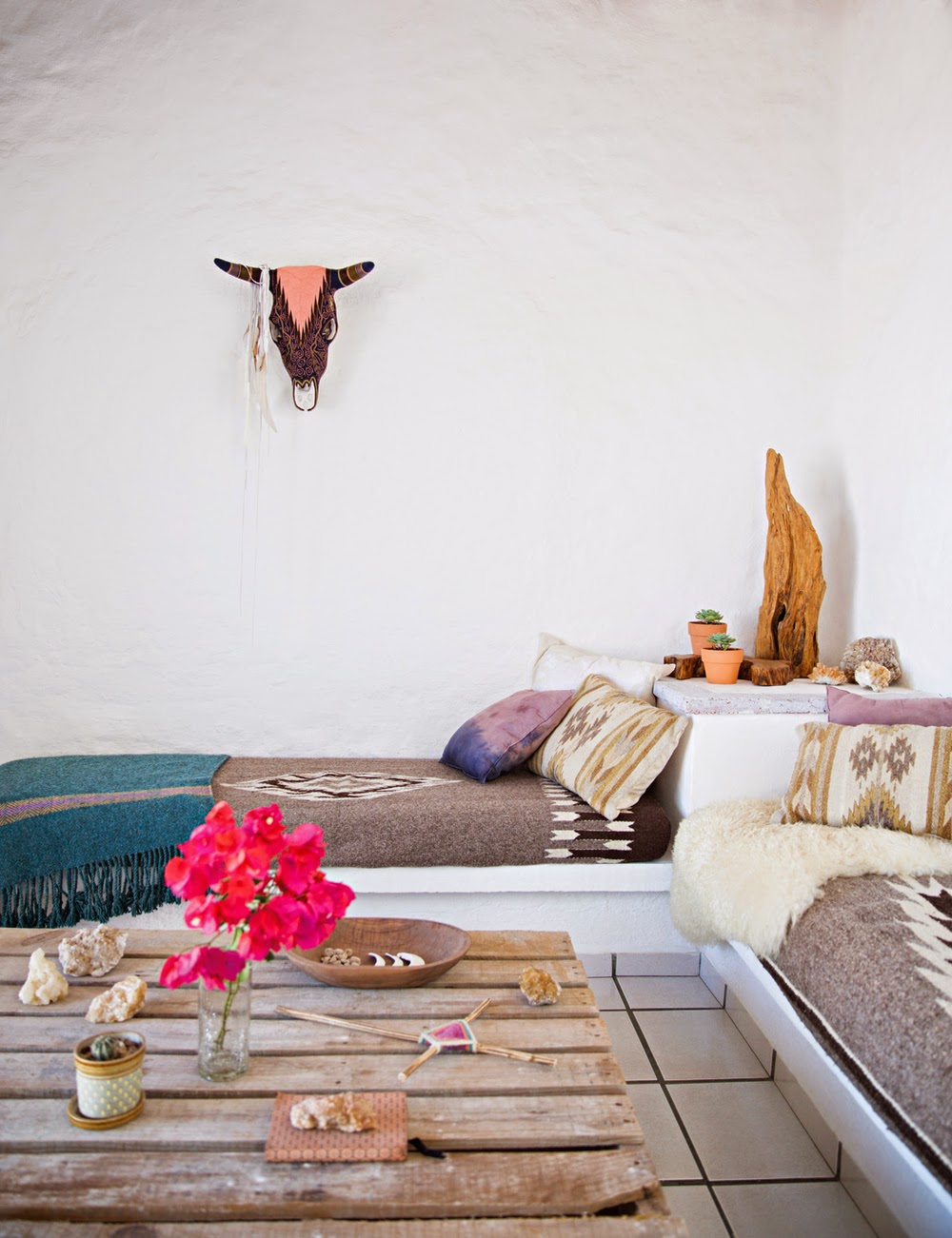 Folk textiles and works of local artisans give the house a unique look and character. I love various dreamcatchers hanging all around, they are so cool2