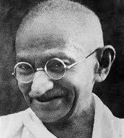 Mahatma Ghandi-Silenciado por defender classes minoritárias-a tiros em 30/01/1948-Defendia a Satyag
