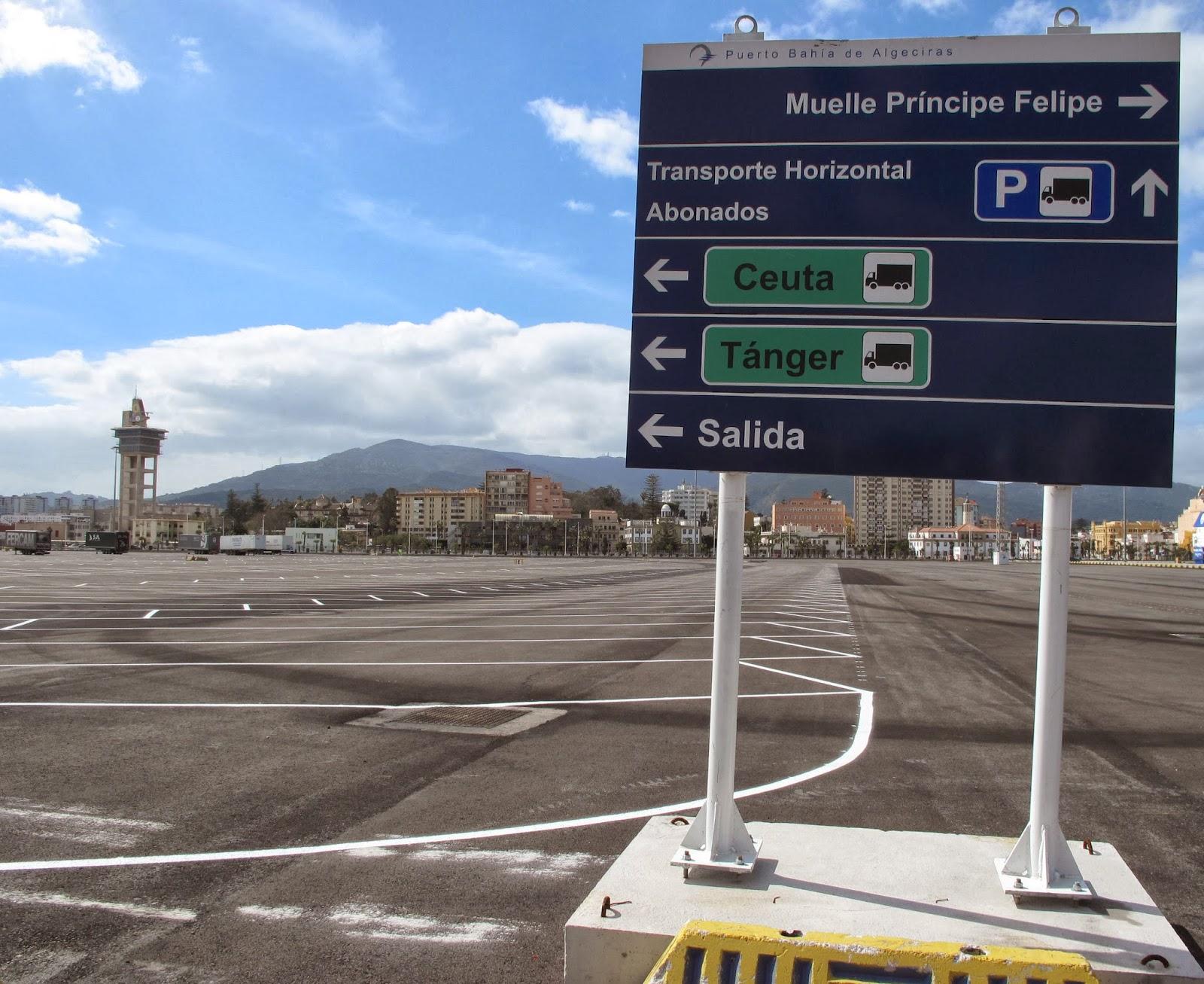 PUERTO DE ALGECIRAS. Parking camiones Isla Verde