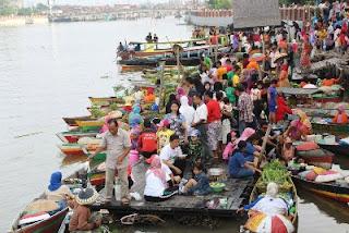 Pasar Terapung Siring Tendean Banjarmasin
