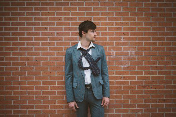Emily Blincoe fotografia divertida isso e aquilo e comercial ampersand Terno e gravata