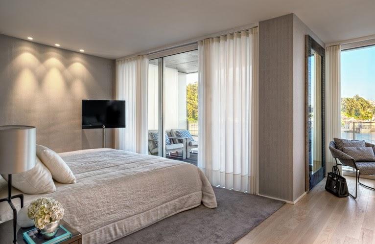 dormitorio principal con vestidor y balcón