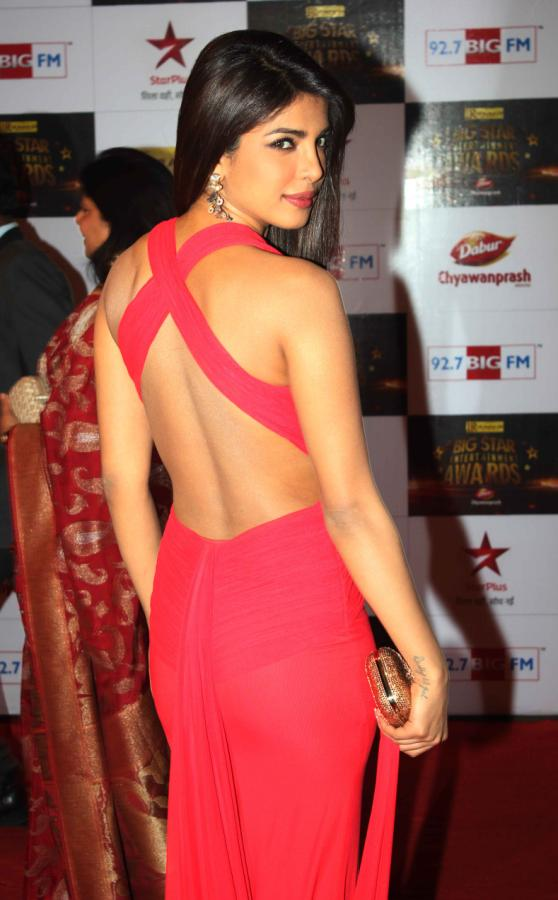 priyanka chopra at BIG Star Entertainment Awards