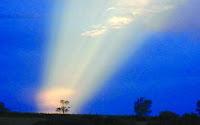 Mistério: Raios de luz intrigam moradores de cidade do Paraná