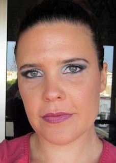 imagen del look finalizado en tonos plata y negro