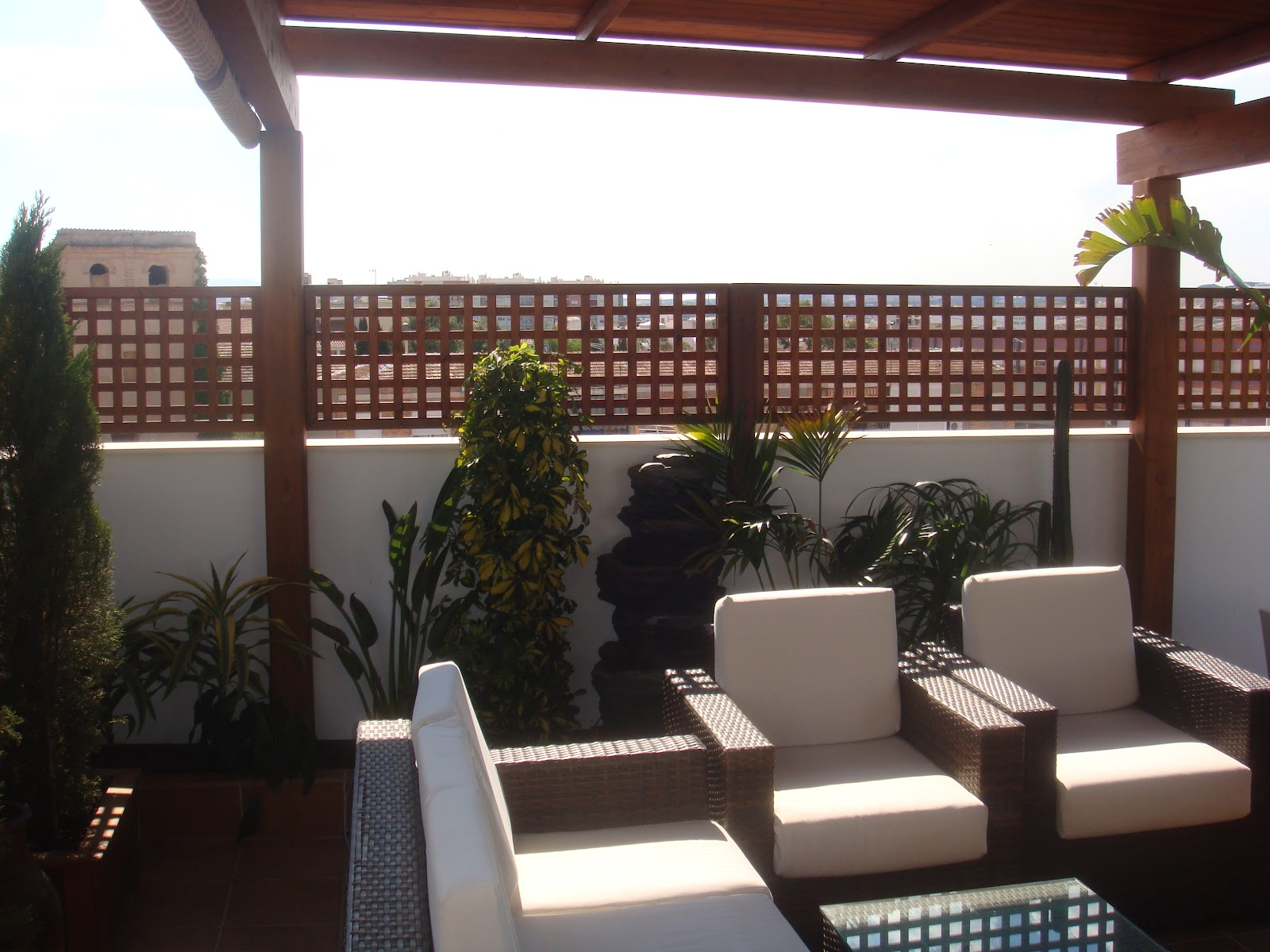 Sauco design adecuaci n de tico - Proteccion para terrazas ...