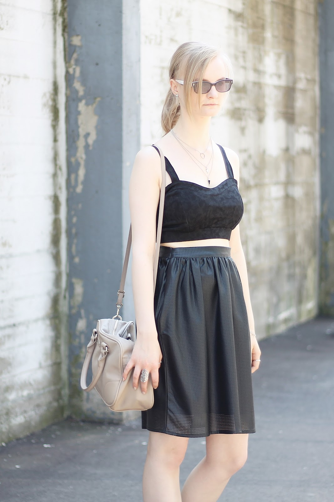 nude bag outfit